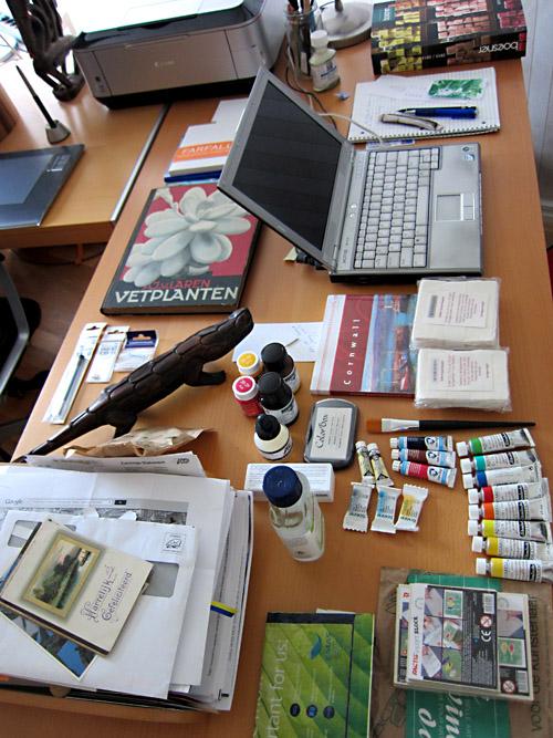 201308_desk_after_D_trip